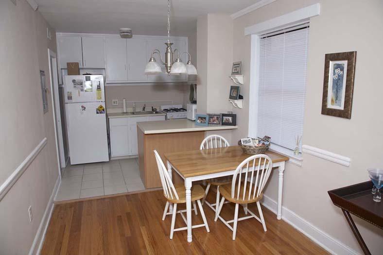 Robinson Hardwood Floors >> Apartments in Burlington NC - Robinson Rentals - Moore ...